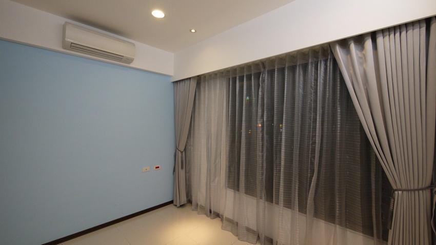 时尚现代家居灰色系窗帘装饰