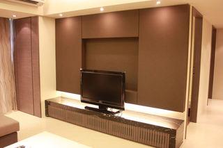 现代家装电视背景墙装潢图