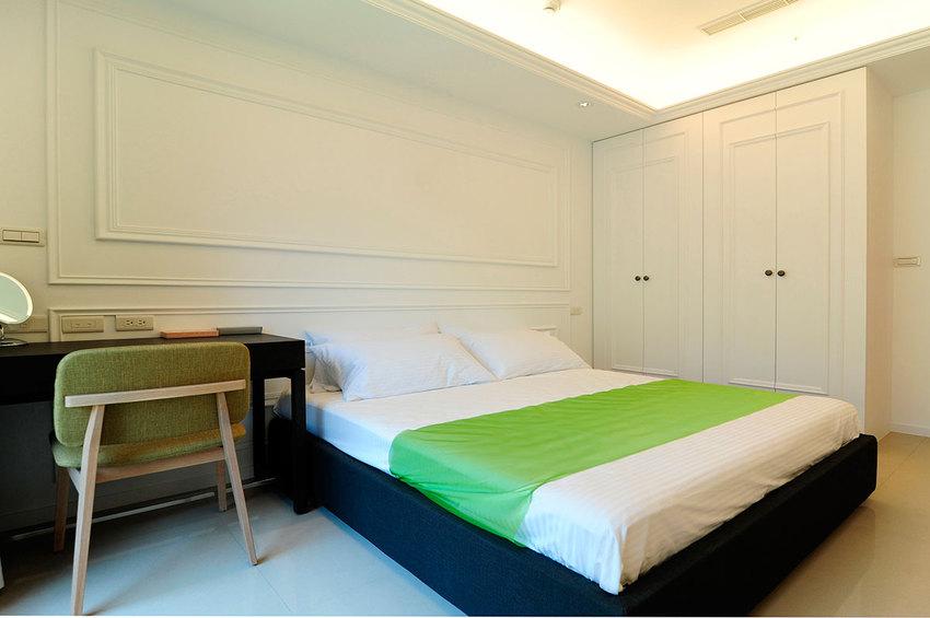 白色简约美式卧室效果图