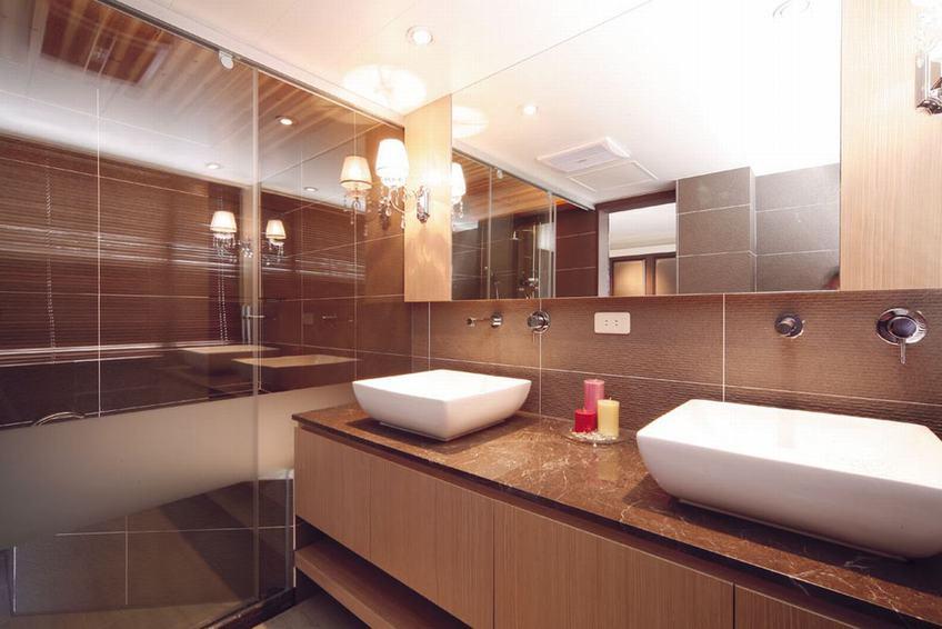 暖咖色美式卫生间洗手台效果图