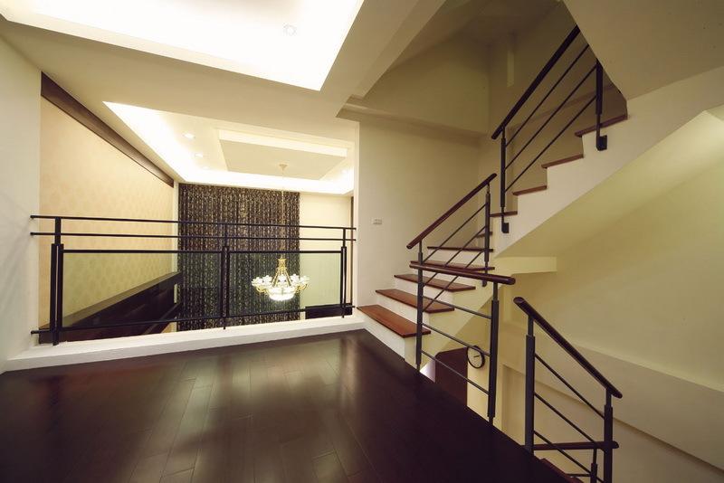 现代设计复式楼梯效果图