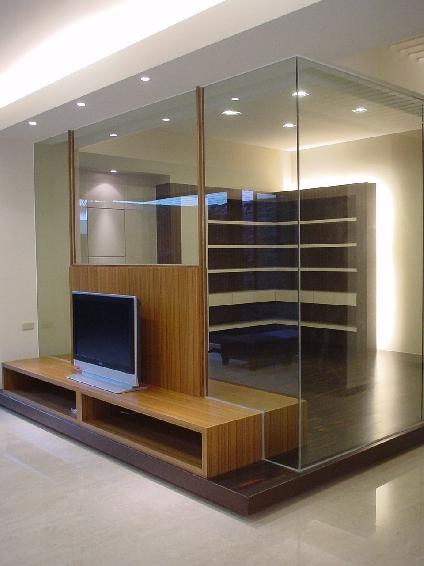 日式电视背景墙玻璃隔断设计