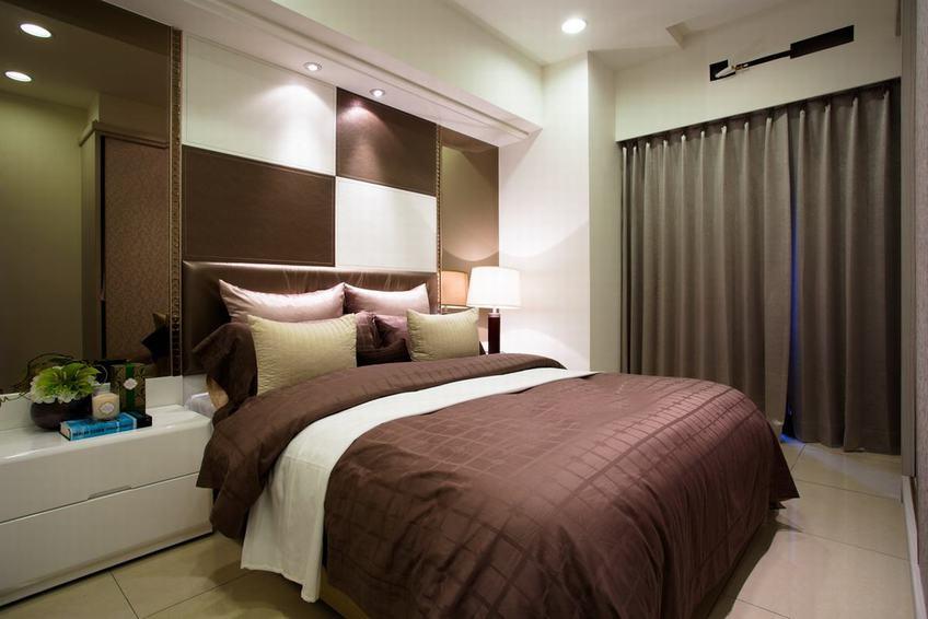 沉稳现代卧室家装效果图