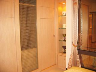 简约卧室置物柜设计