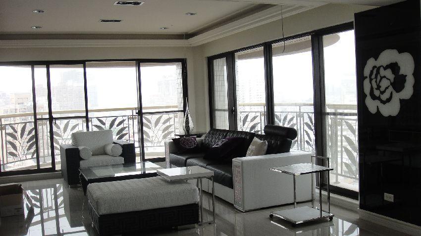 黑白新古典装修公寓效果图