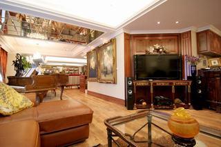 别墅室内东南亚风格装饰效果图