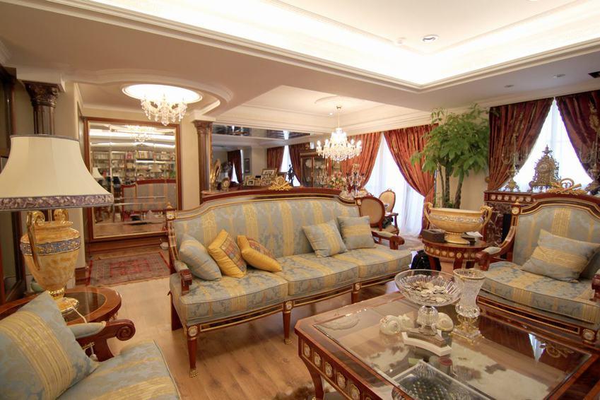 大气豪华东南亚风格别墅室内装修图