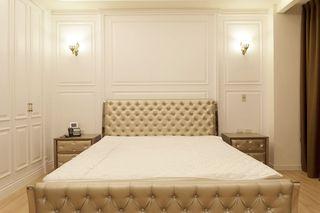 白色简约卧室壁灯装饰效果图