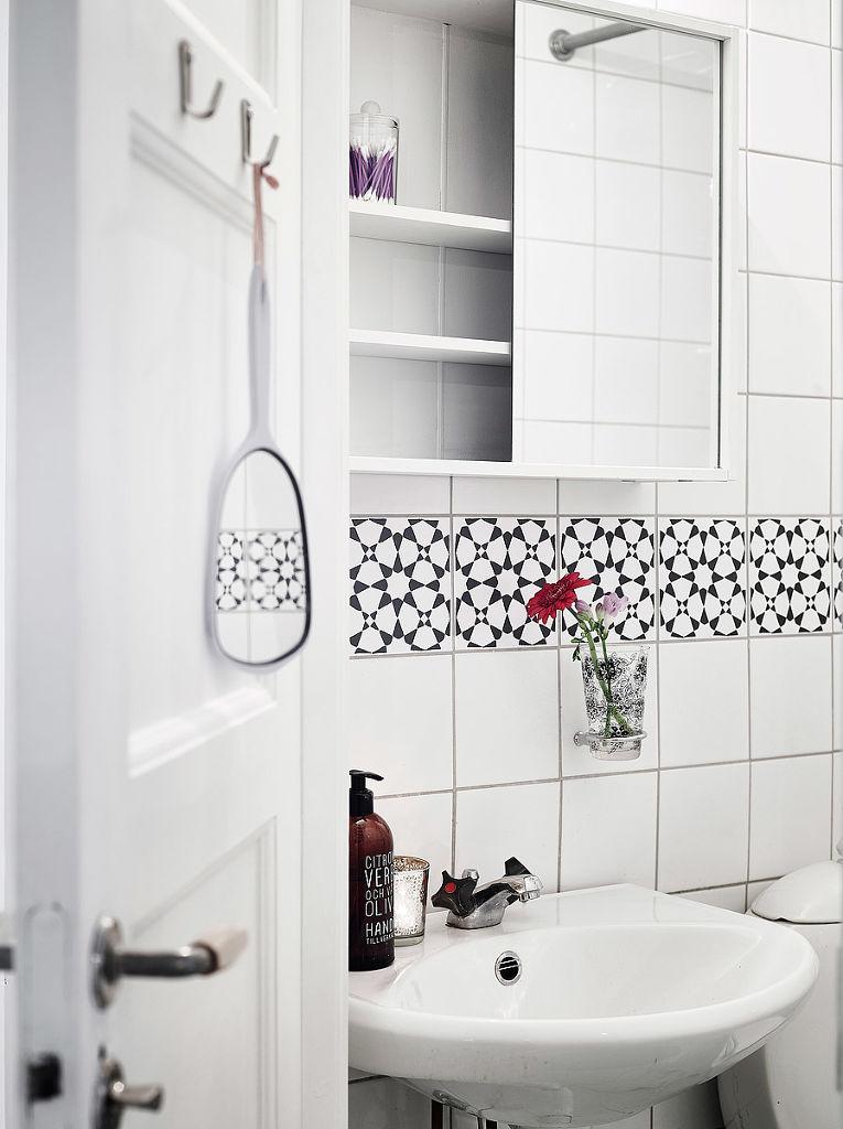 白色北欧风情卫生间装饰图