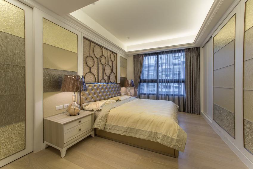 精致现代卧室石膏吊顶设计