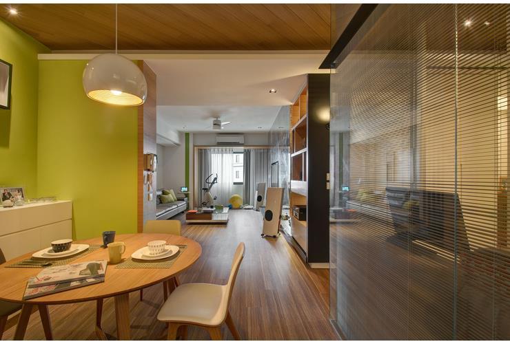 简约创意现代餐厅玻璃背景墙装修图