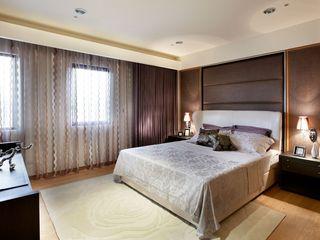 华丽美式卧室窗帘效果图