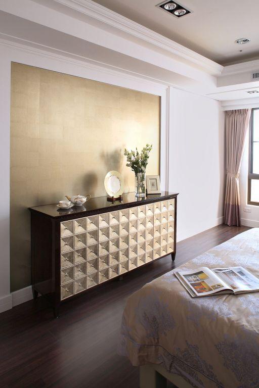 最新现代卧室柜子装饰图