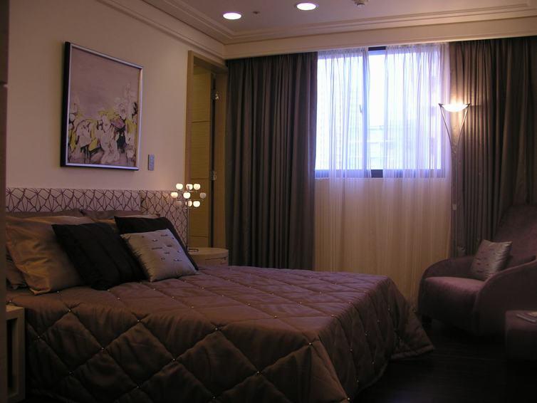 舒适现代家居卧室软装装饰图