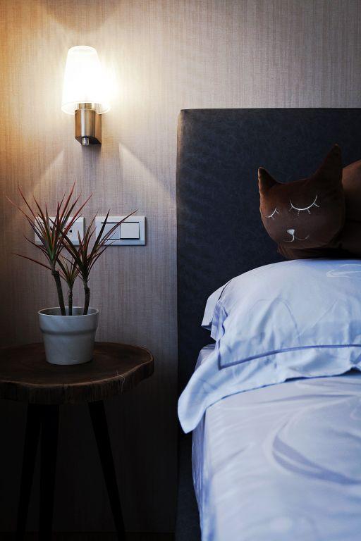 时尚现代卧室壁灯设计