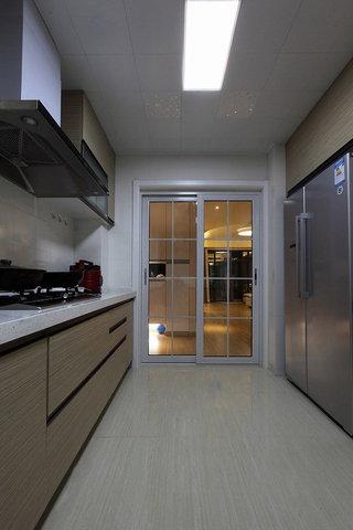 现代风情厨房过道效果图