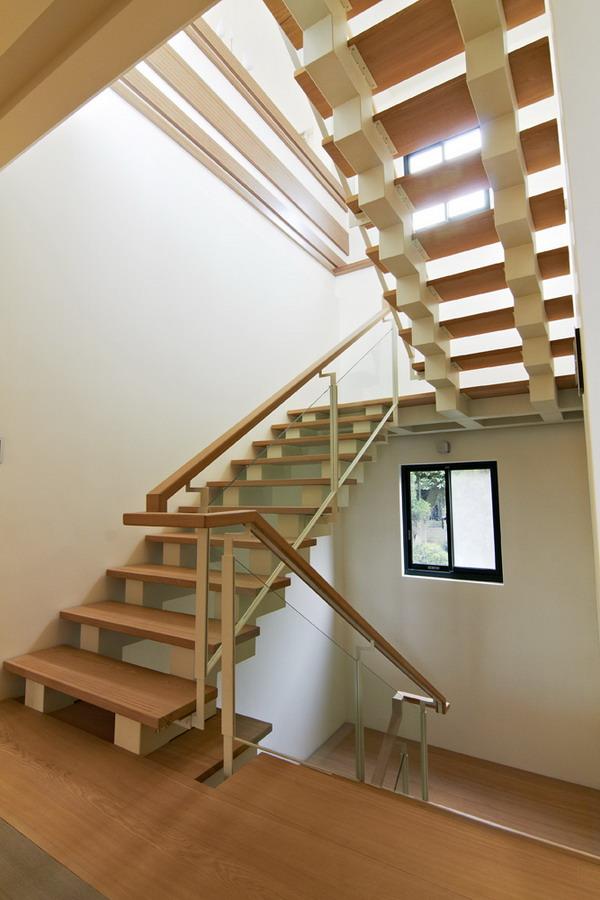 宜家现代风 实木楼梯效果图