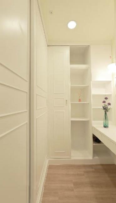 极简韩式家居衣柜设计