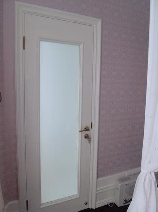 唯美现代卧室门装饰图