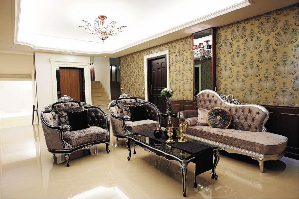 别墅客厅欧式古典沙发装饰效果图