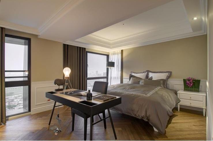 最新美式别墅卧室书桌布置图