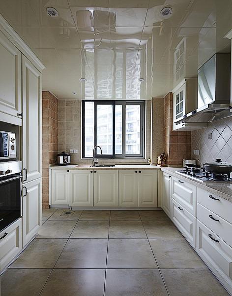 时尚混搭家居厨房PVC吊顶设计