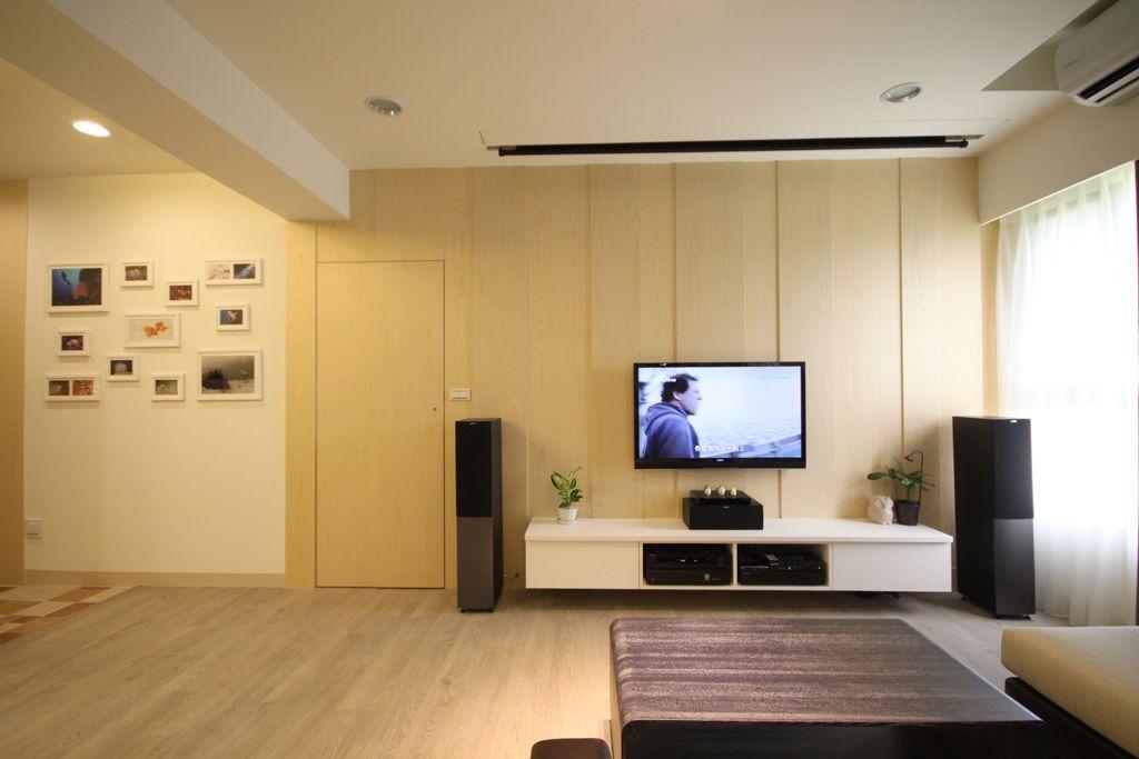 温馨宜家风 电视背景墙隐形门设计