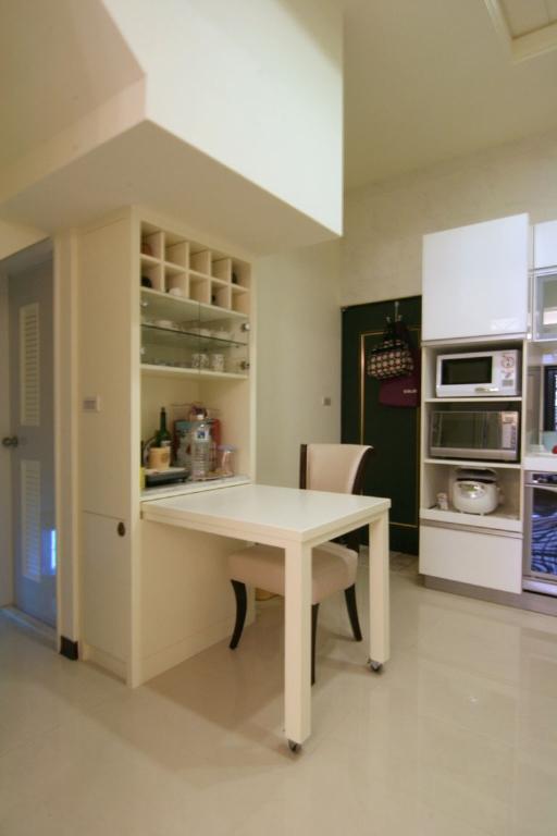 米色简欧厨房吧台效果图