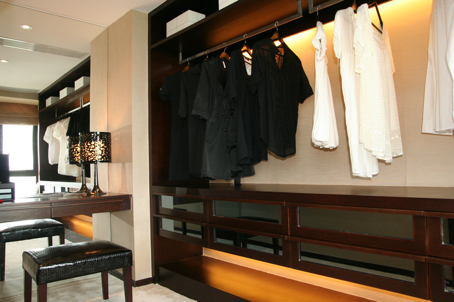 现代日式风衣帽间衣柜设计