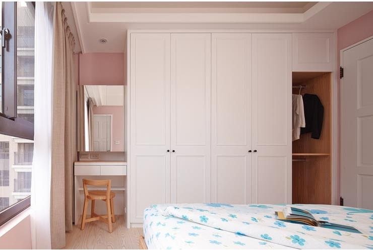简约宜家卧室 白色衣柜效果图