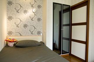 简约现代装修卧室门设计