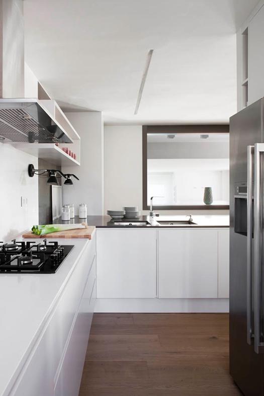 简约装修风格厨房实木地板装饰效果图