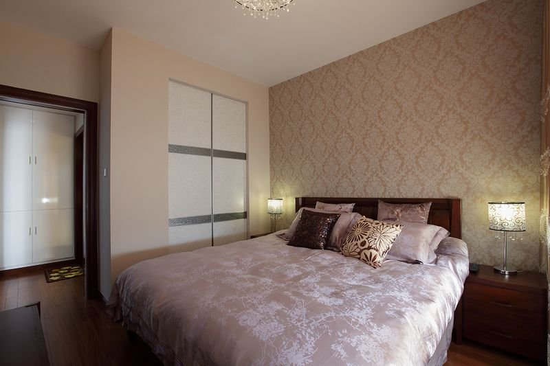 温馨素雅现代卧室效果图
