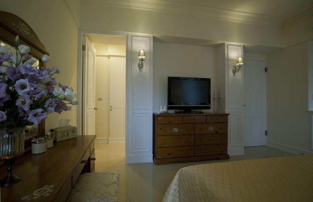 现代装修卧室电视柜摆放图