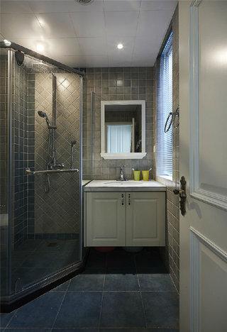灰色简美式卫生间淋浴房设计