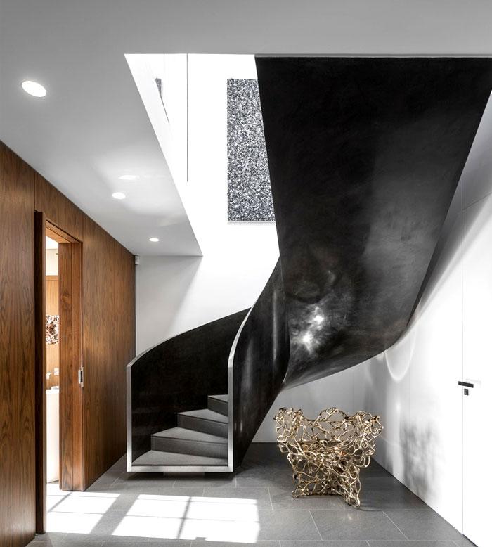 美式风格复式楼梯装修图