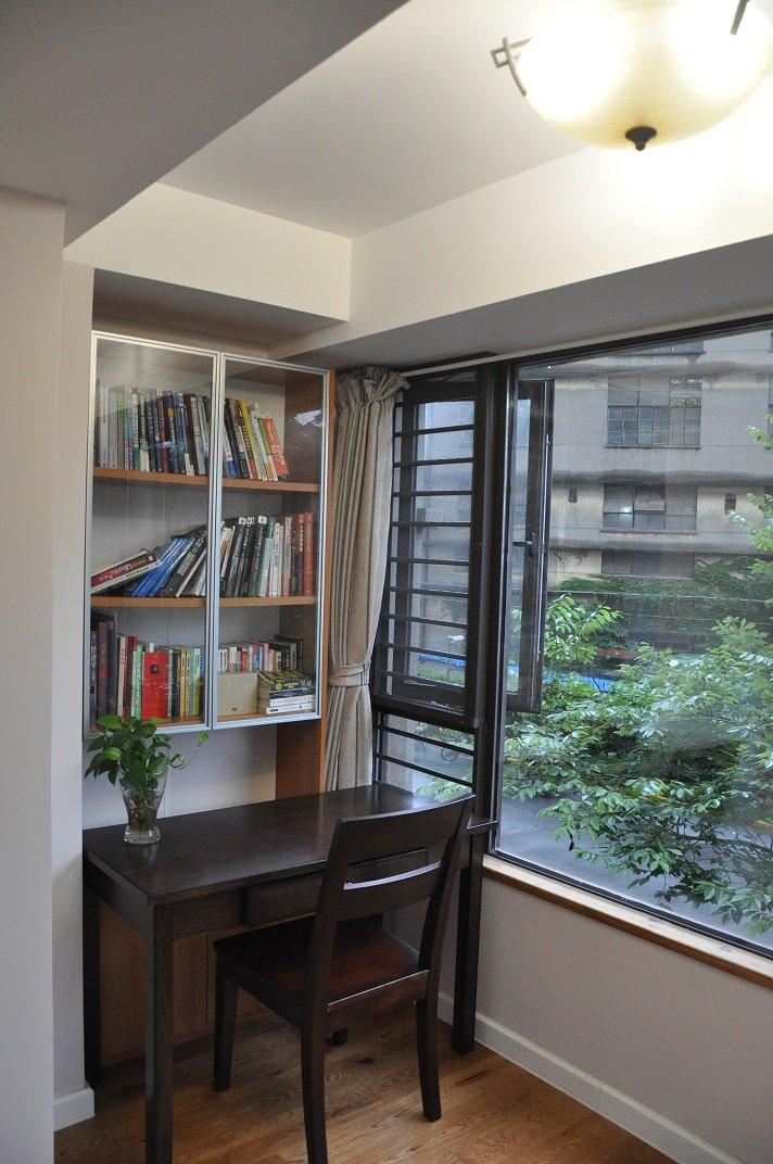 现代朴素书房窗户效果图