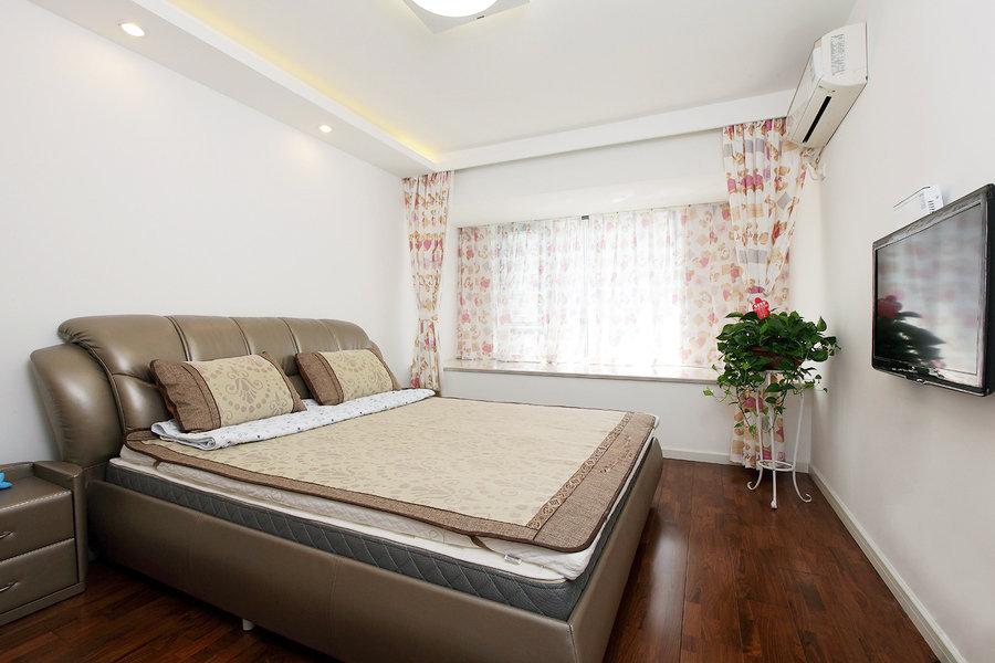 最新现代风格卧室飘窗设计