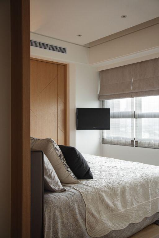 现代日式风卧室电视安装设计