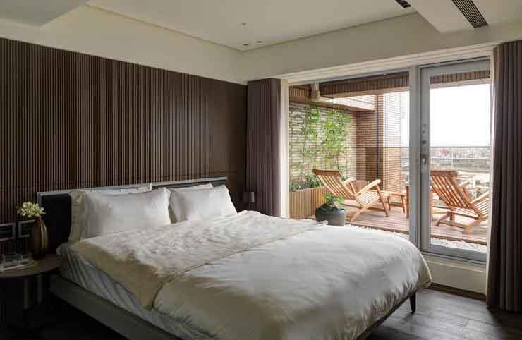 简约现代风 咖色卧室背景墙设计
