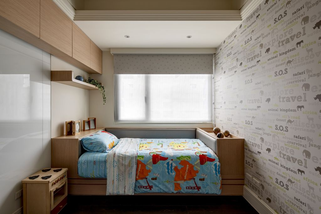 时尚现代儿童房原木家装图