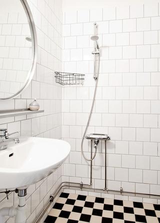 简约北欧卫生间瓷砖效果图