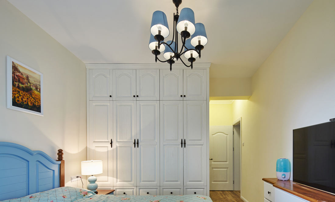 清新北欧风卧室白色衣柜设计