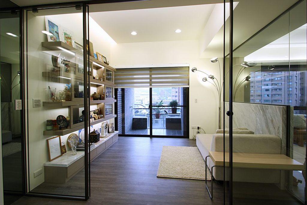 时尚现代家装玻璃隔断设计
