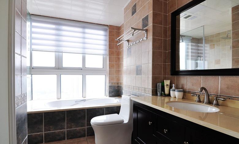 温馨咖色系美式浴室装饰效果图