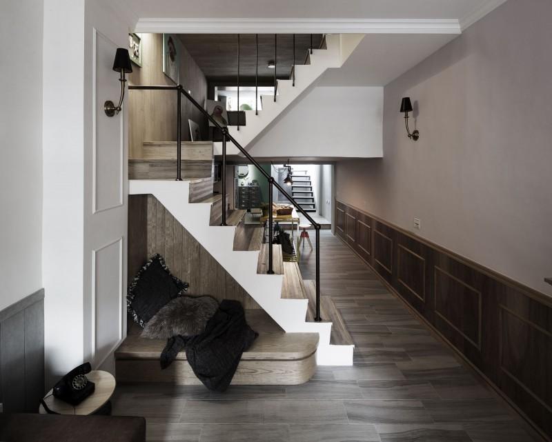 古朴美式乡村别墅楼梯简易护栏设计