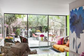 清新五彩宜家风混搭公寓带小庭院设计