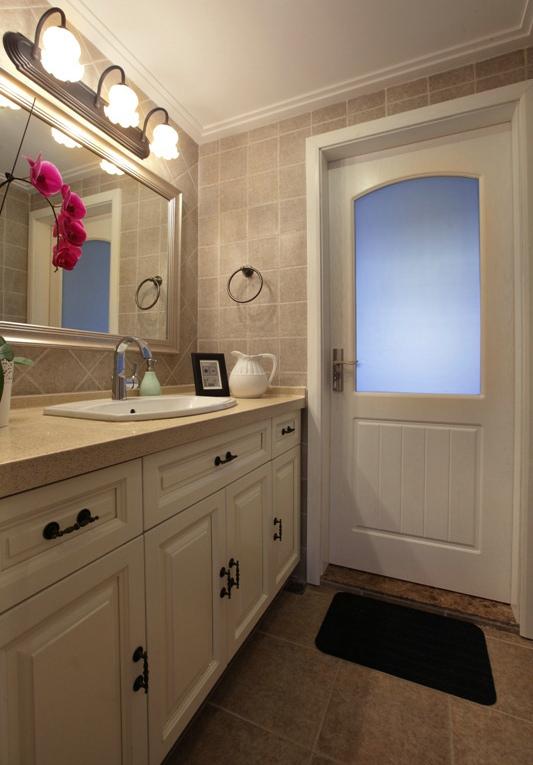 现代美式洗手间壁灯效果图