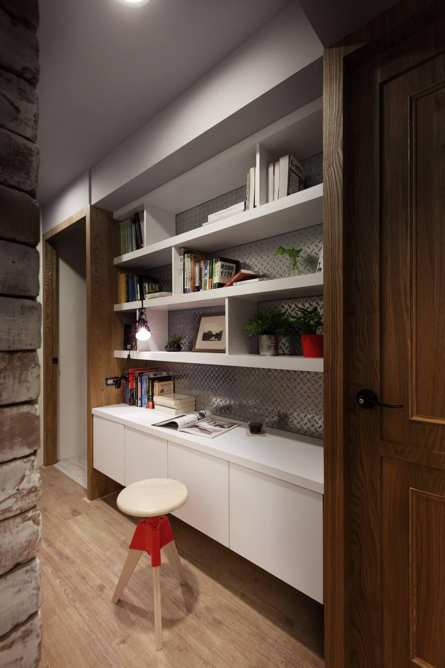 现代宜家混搭书房室内博古架设计效果图片