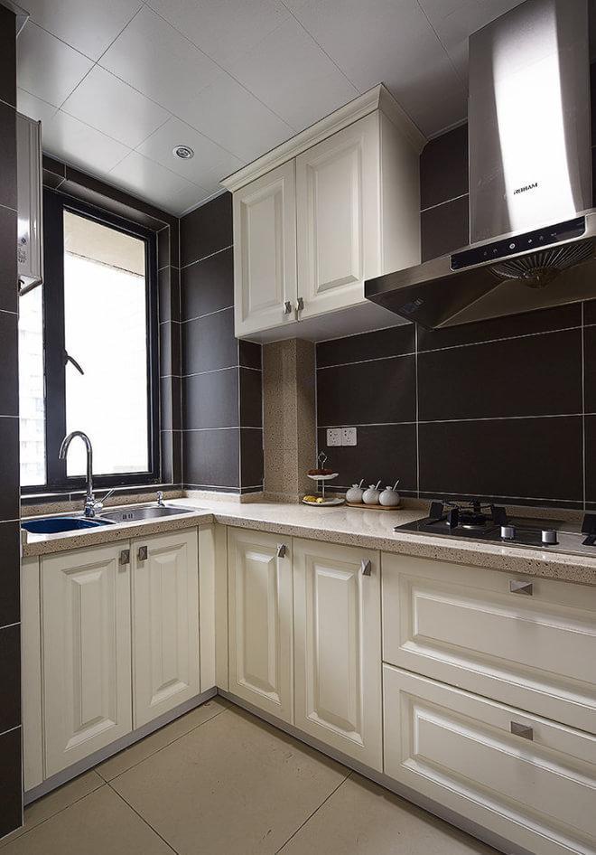 时尚简欧厨房白色橱柜效果图